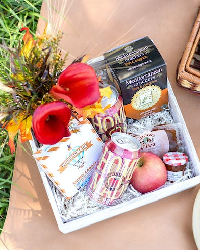 Everything you need for the perfect Fall picnic!