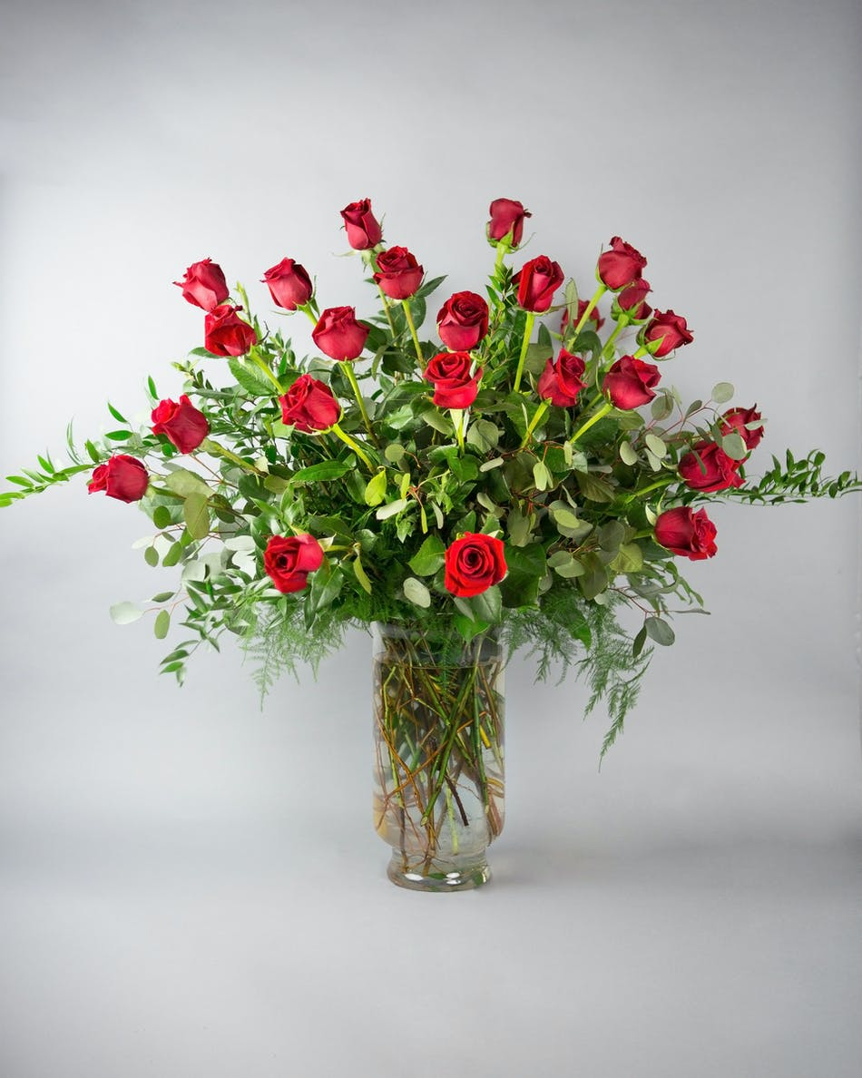 Dozen Long Stem Roses 24 Long Stem Roses In Bloom Florist