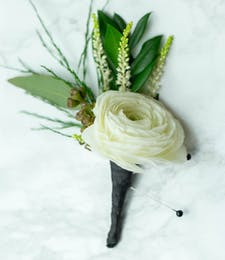 Trendy Boutonniere